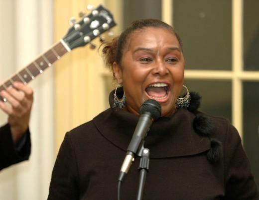 Tamm E. Hunt performing